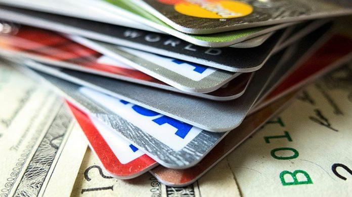 Какой кредитной картой пользоваться за границей?